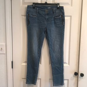 NY&C SoHo boyfriend jeans. Sz 8. Lowrise. Skinny.
